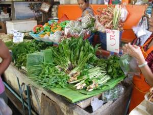 ミンブリの市場:八百屋(ハーブ類)