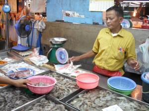 ミンブリの市場:魚屋