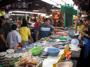 ミンブリの市場:魚屋(海水魚)