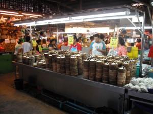 ミンブリの市場:魚屋(あじ専門店)
