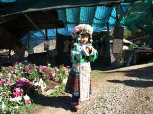 山岳民族の衣装を貸し出すサービスもありました。