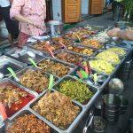 ミャンマー・ヤンゴン市内で出会った屋台:ぶっかけ飯
