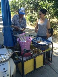タイの田舎の移動アイスクリーム屋さん