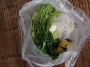 ムーガタ(豚鍋)に使う野菜類、しらたき、豆腐など
