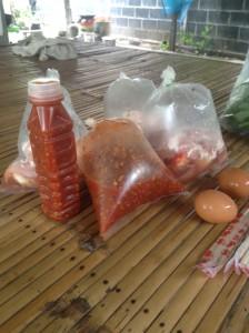 ムーガタ(豚鍋)につかうタレ(ナムチム)が最も重要なアイテムです。