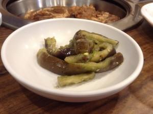 ソウル・カルビ食堂のおかず 4。 ナスをゴマで和えたもの(美味しかったので、おかわりしました)