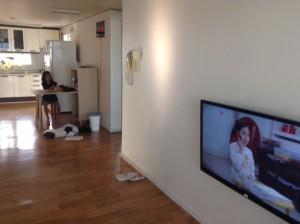 Airbnbを利用した宿泊・広いリビング