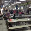 タイの市場でのぶっかけ飯食堂