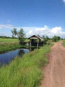 運河の上の掘っ立て小屋
