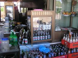 町の料理店で売られているラオカオ