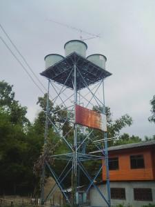 村の簡易水道用のタンク