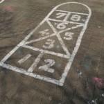 ソウル郊外の公園・Ilsan Lake Park (일산호수공원) の地面に書かれた謎のマーク